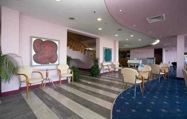 Grand Hotel Casino International - Bar - 8