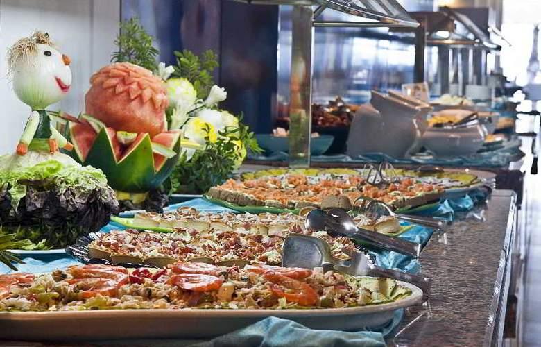 Playa Esperanza - Restaurant - 42