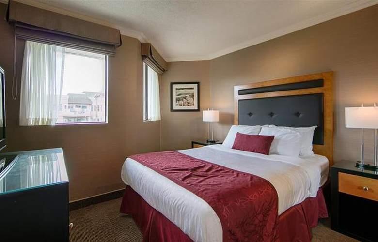 Best Western Plus Inner Harbour - Room - 47