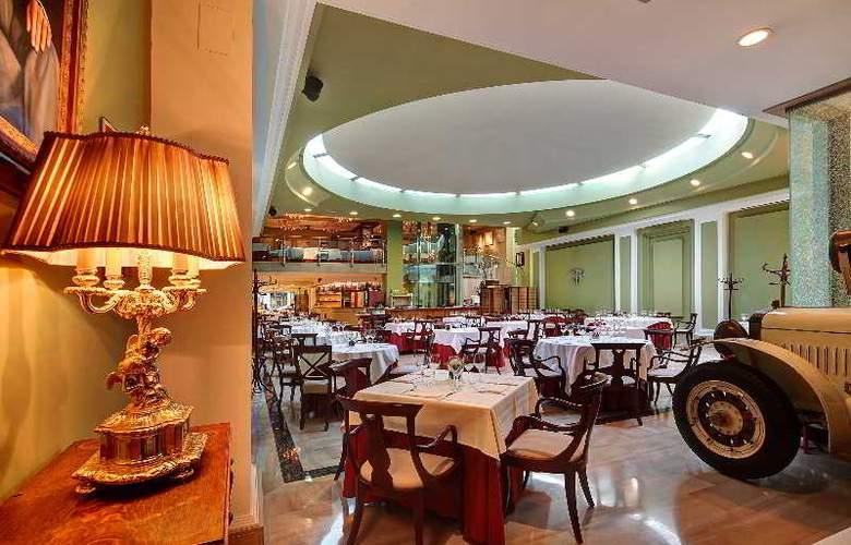 Hispanos 7 Suiza Apartament-Restaurant - Restaurant - 12
