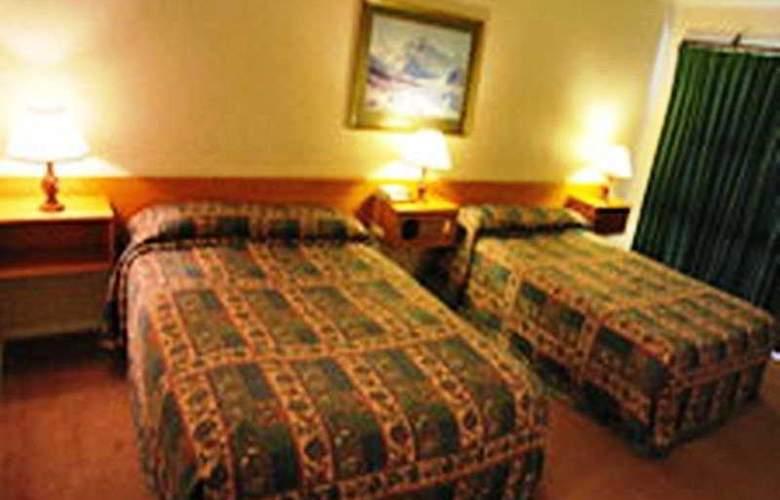 Mackenzie Country Inn - Room - 2