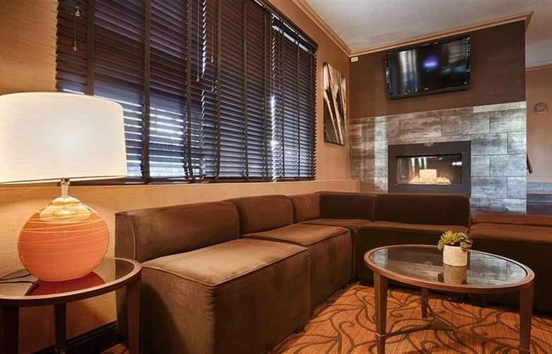 Best Western Plus Innsuites Phoenix Hotel & Suites - General - 19
