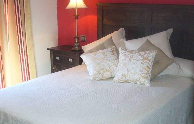 De Los Reyes Apartamentos Turisticos - Room - 0
