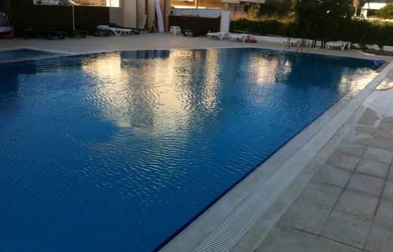 Antalya Palace - Pool - 2