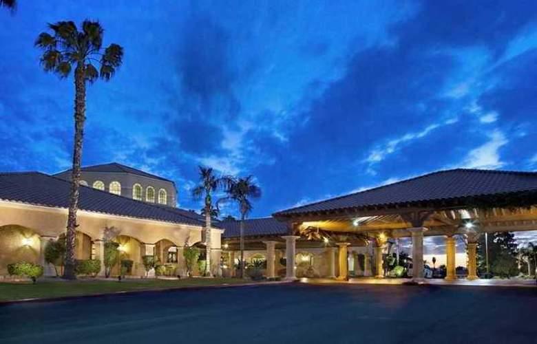 Embassy Suites Phoenix North - Hotel - 0