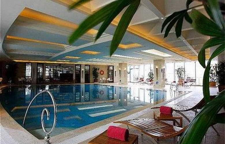 Crowne Plaza Fudan - Pool - 6