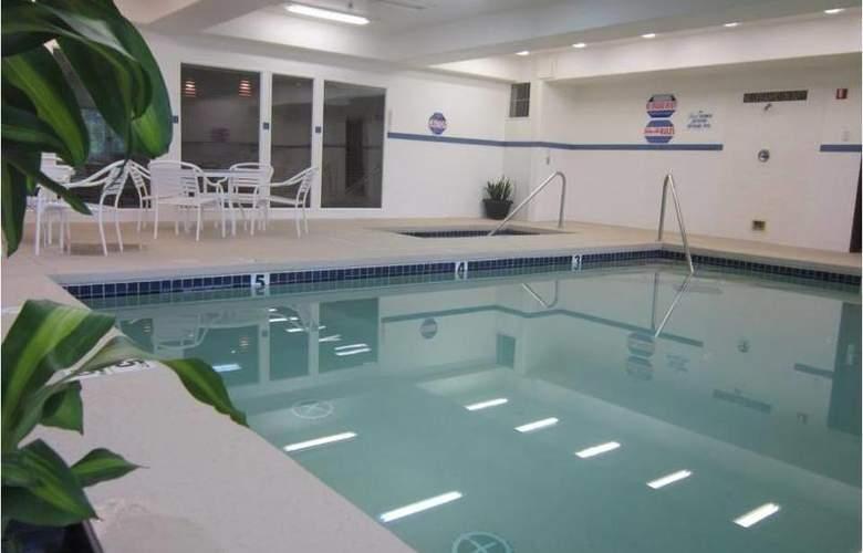 Best Western Plus Prairie Inn - Pool - 52