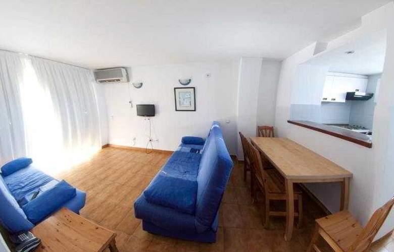 El Divino Apartamentos - Room - 0