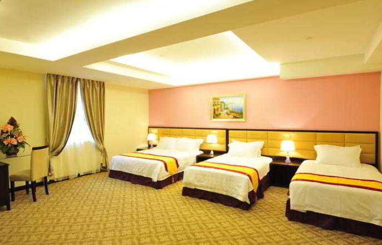 Hallmark Crown Hotel - Room - 15