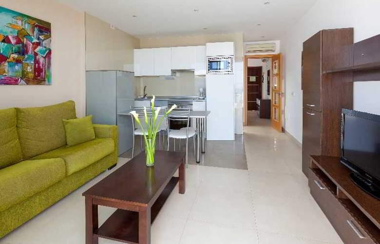 Klayman Diamond Aparthotel - Room - 12