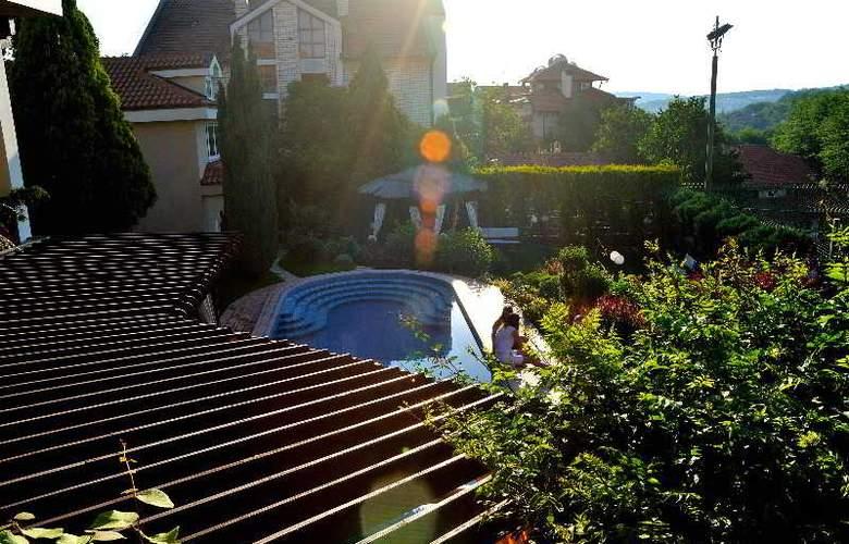 Villa Saga Paradiso - Hotel - 16