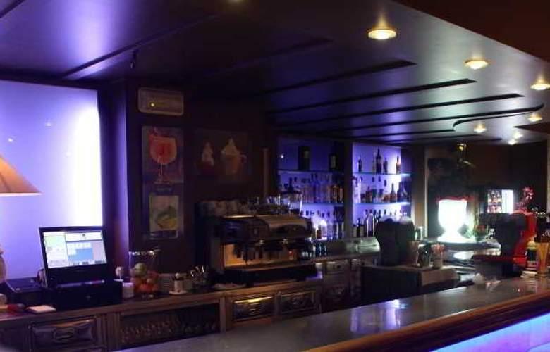 Miami Park - Bar - 16