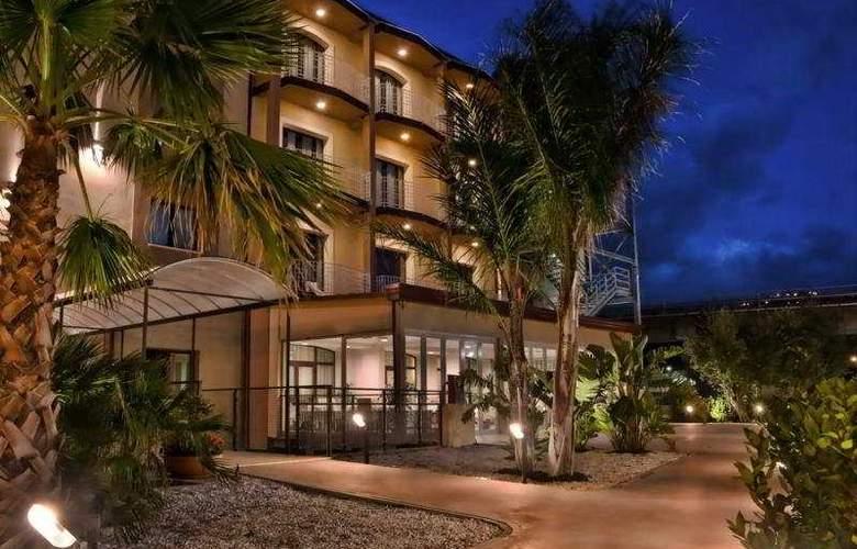 Viola Palace Hotel - Hotel - 0