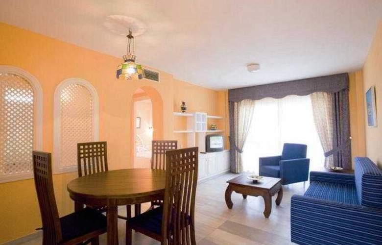 Apartamentos Fenix Beach - Room - 4