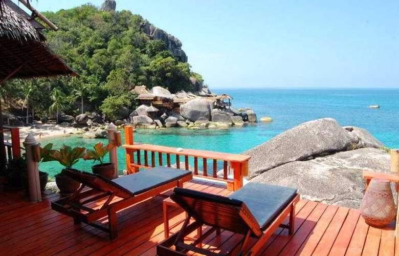 Charm Churee Villa Rustic Resort & Spa - Terrace - 11