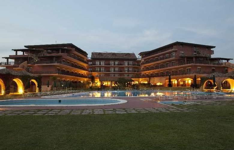 Golden Tulip Resort Marina di Castello - Pool - 13