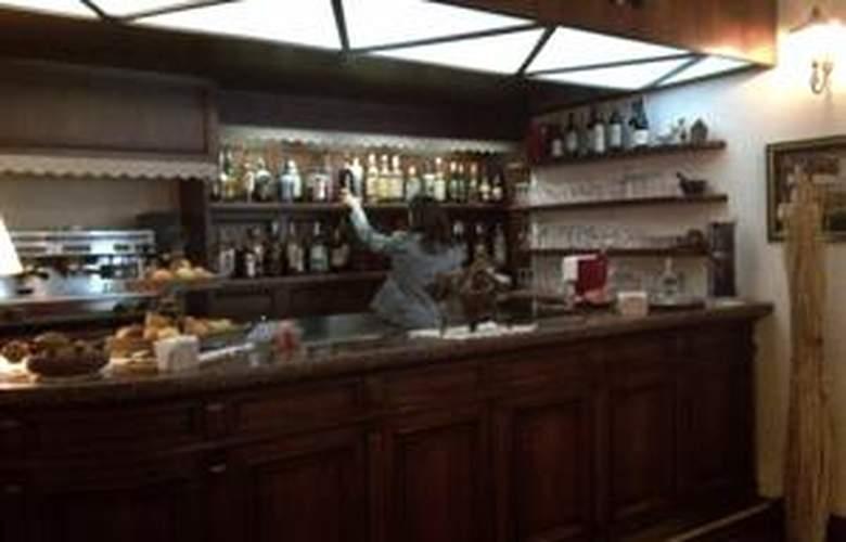 Hotel Mont Blanc - Bar - 2