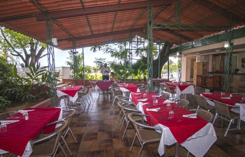Rancho Club - Restaurant - 2