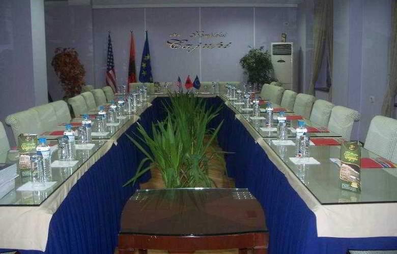 Cajupi - Conference - 4