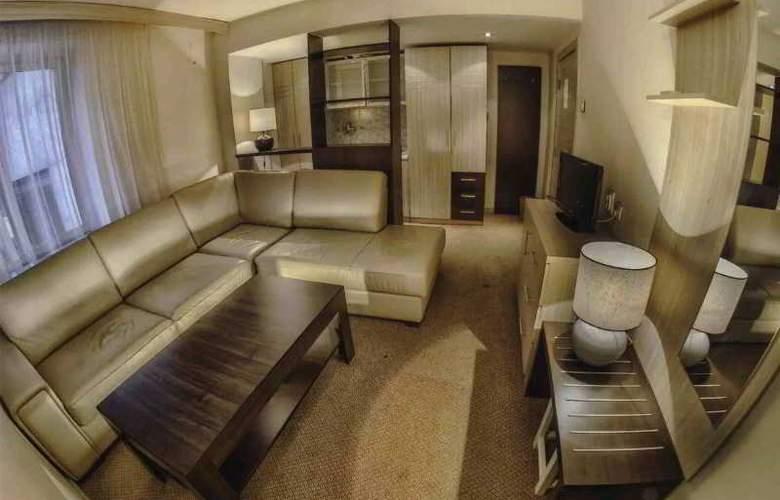 Hotel Royal - Room - 13
