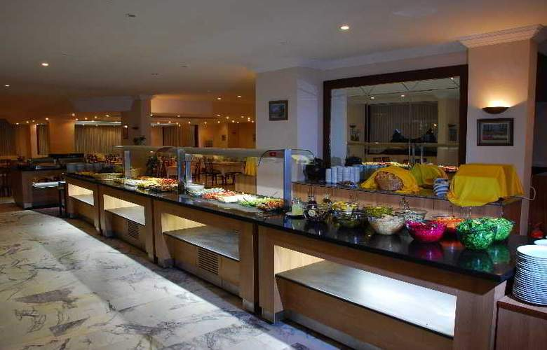 Tuntas Hotel Altinkum - Restaurant - 26