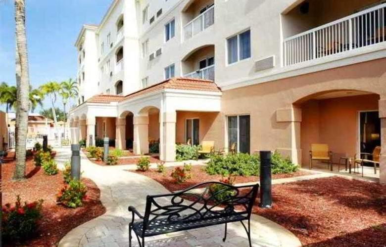 Courtyard West Palm Beach Airport - Hotel - 4