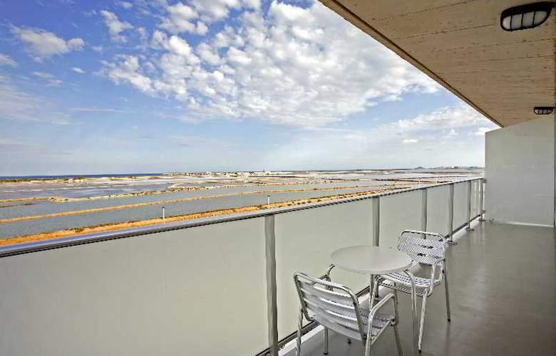 Hotel y Apartamentos (3LL) Lodomar Spa & Talasoterapia - Terrace - 10