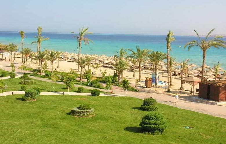 Dessole Pyramisa Beach Resort y Sahl Hasheesh - Beach - 11
