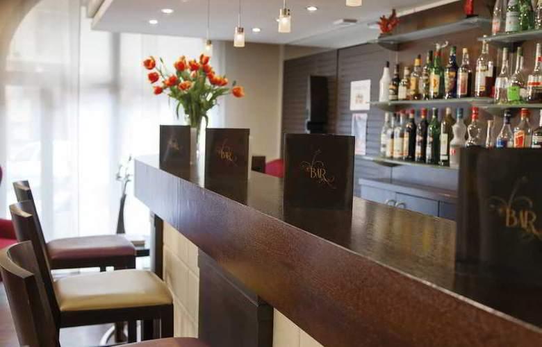 Clarion Suites Cannes Croisette - Bar - 34