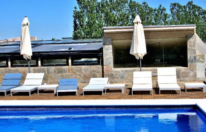 Mas Passamaner - Pool - 9