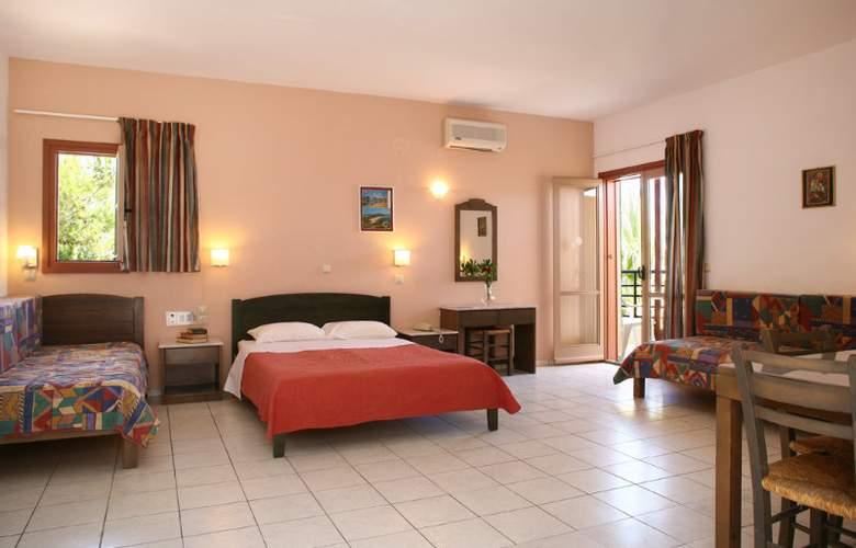 Latania Studios & Apartments - Room - 1