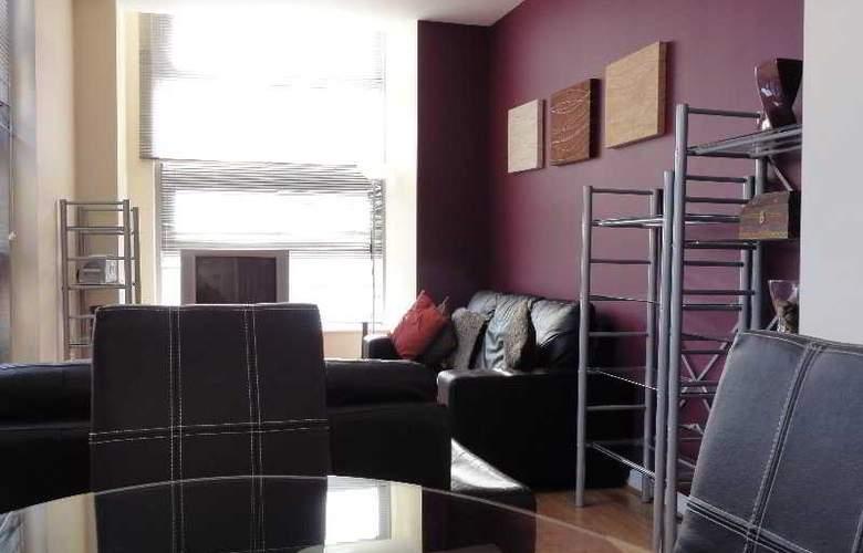 Comfort Zone Cutlass Court Apartments - Room - 3