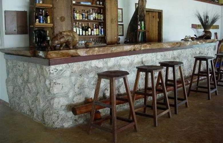 Hakuna Majiwe Ora Resort - Bar - 3