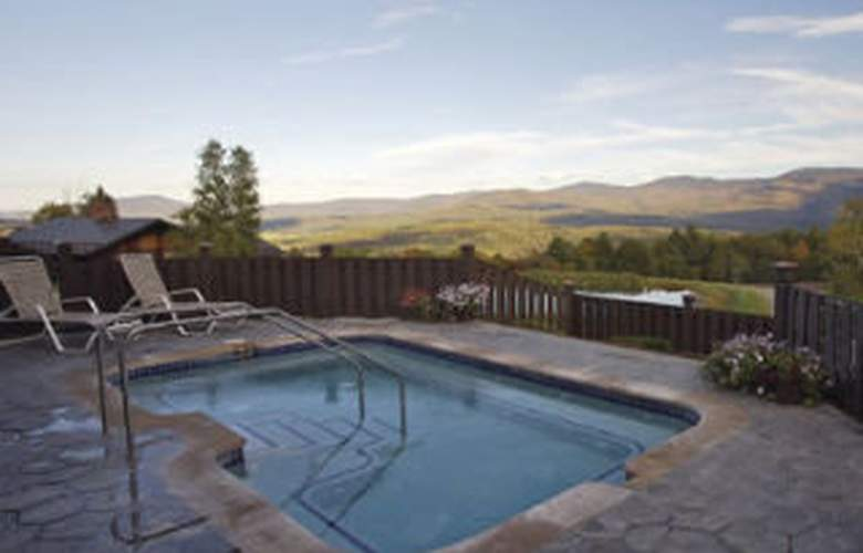 Trapp Family Lodge - Pool - 4