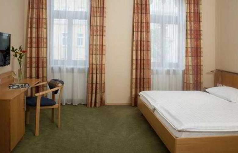Lucia - Room - 6