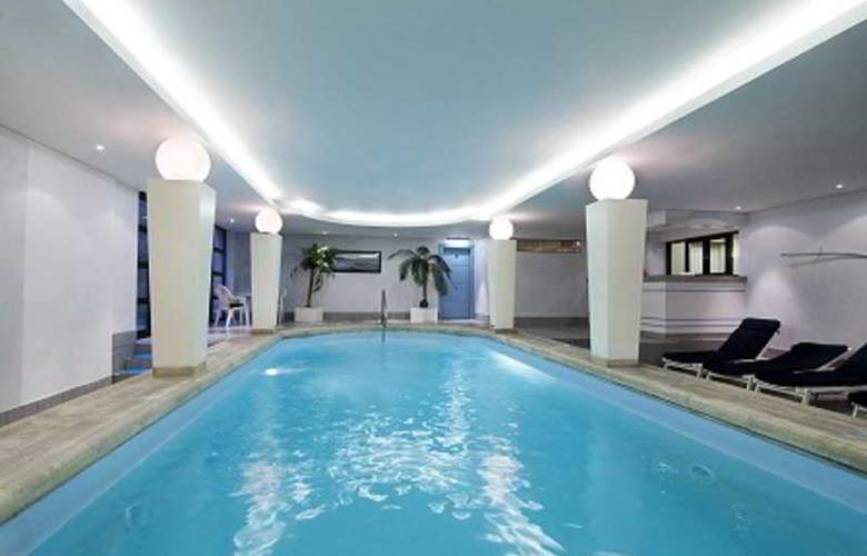 Holiday Inn Hasselt - Pool - 3