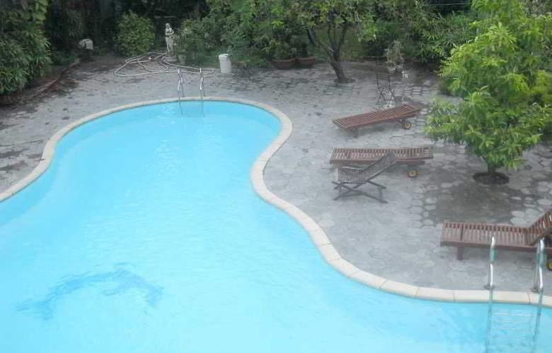 Hai Yen - Pool - 6