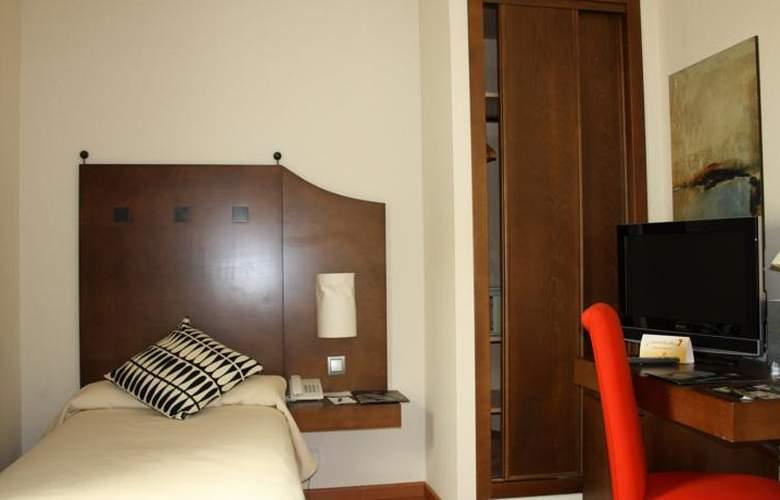 Exe Ágora Cáceres - Room - 11