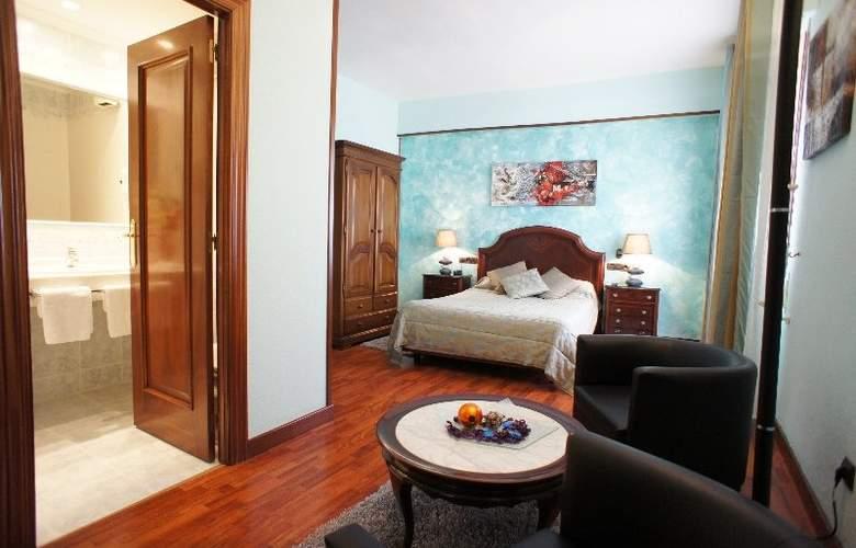 Montermoso - Room - 2