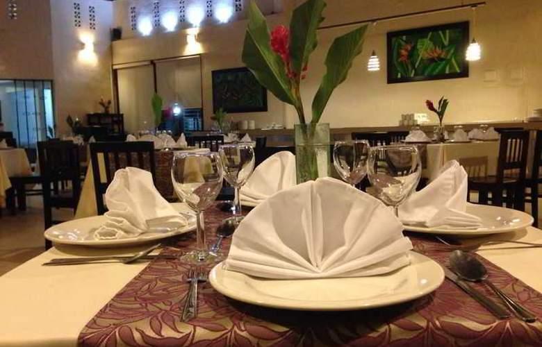Tulija Express Hotel & Villas - Restaurant - 20