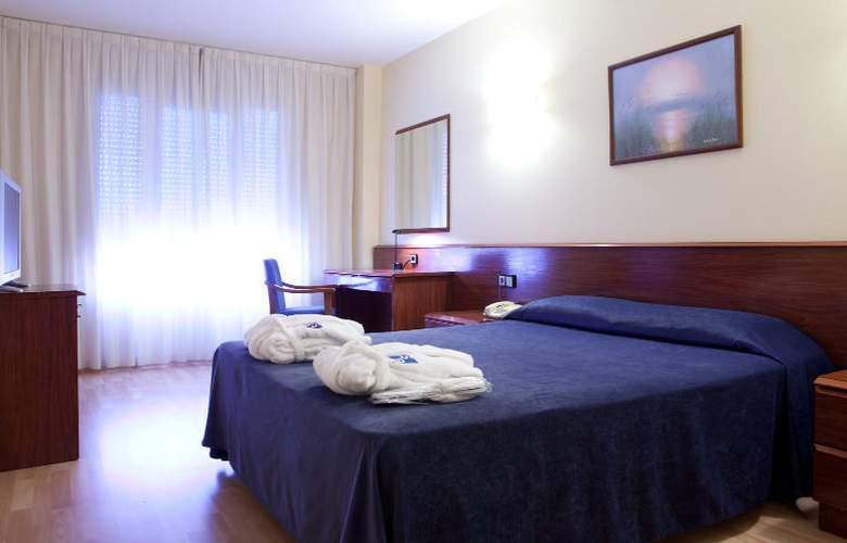 SB Corona Tortosa - Room - 4