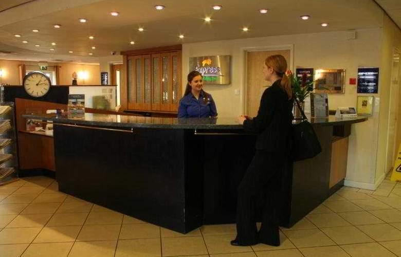 Holiday Inn Express Bristol City Centre - Hotel - 0