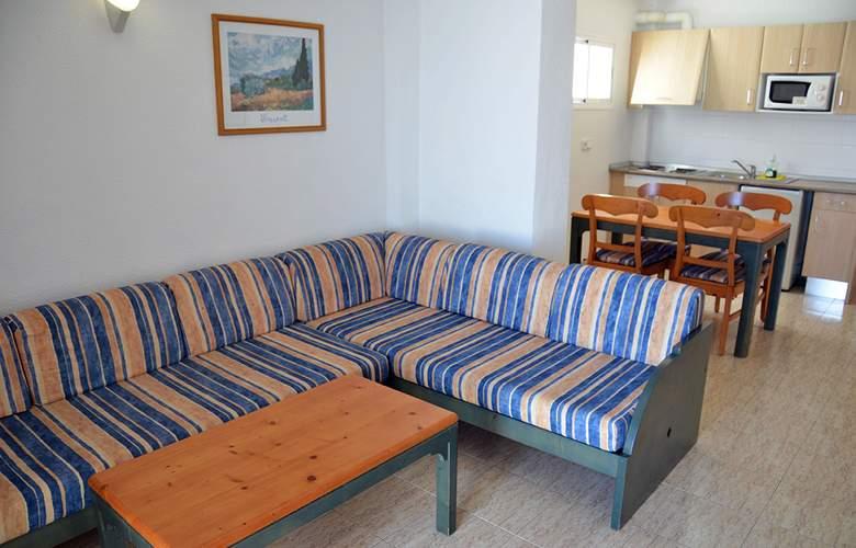Blue Star Apartamentos - Room - 16