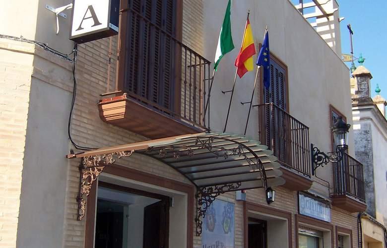 ELE Santa Bárbara Sevilla - Hotel - 2