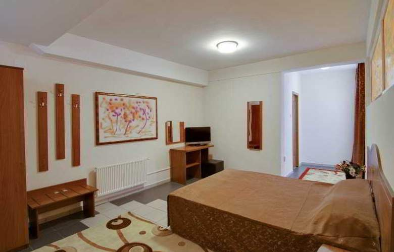 Tranzzit Hotel - Room - 4