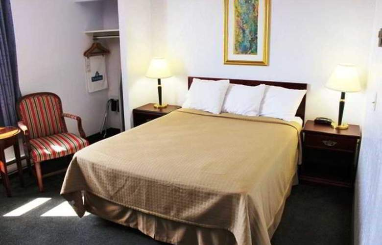 Travelodge Calgary Airport - Room - 1
