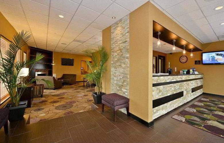 Best Western Plus Inn Suites Yuma Mall - Hotel - 10