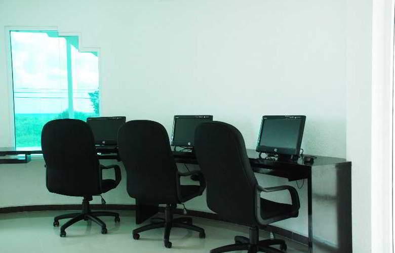 Comfort Inn Cancun Aeropuerto - General - 3