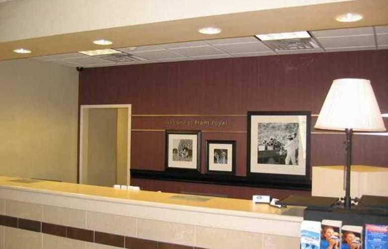 Hampton Inn Front Royal - Hotel - 5