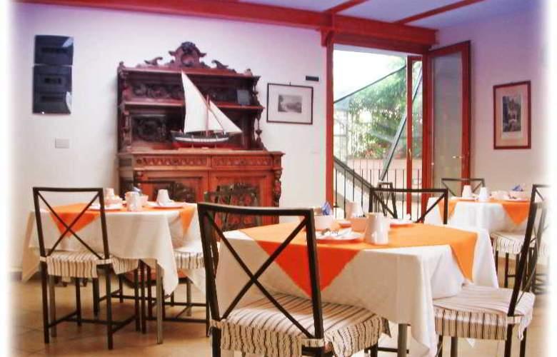 Au Rivoli - Restaurant - 25